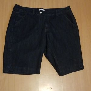 Lane Bryant Bermuda shorts size 22